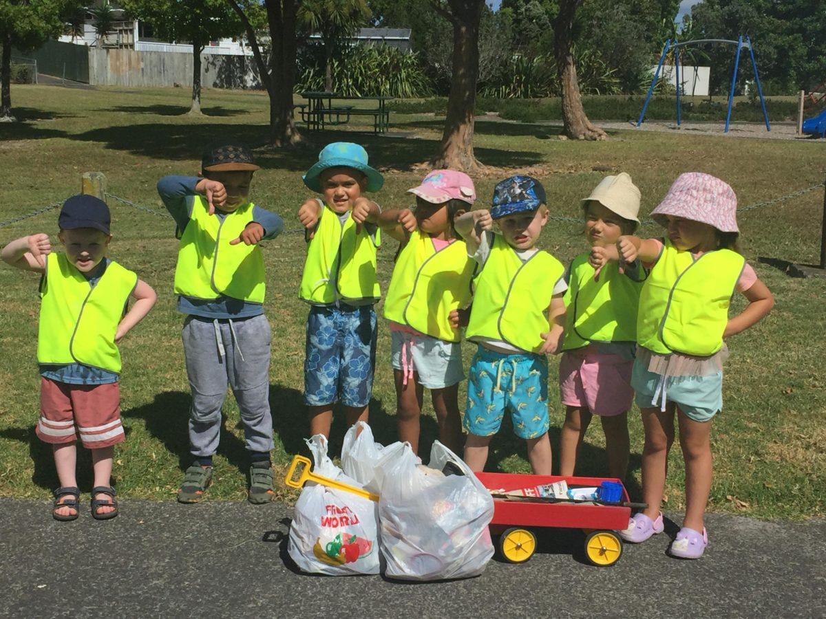 collecting rubbish in te atatu